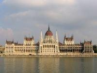 Венгрия под давлением ЕС согласилась изменить новые конституционные законы