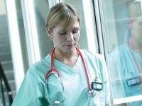 Медсестра из Норильска отсудила 100 тыс. руб. компенсации за контакт с боль