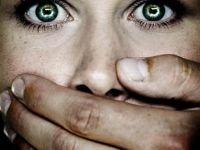 Возбуждено дело на следователя СКР, передавшего заявившей об изнасиловании лишь 10000 руб. из предназначенных 39000 руб.