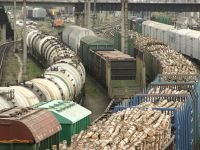 Железногорская нефтебаза незаконно разгружает опасные грузы