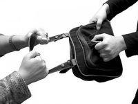 Подростки-грабители ответят за хищения дамских сумок