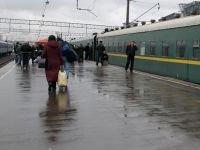 Транспортный прокурор потребовал оборудовать павильонами платформы на станц