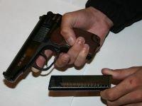 Адвокат попался на продаже пистолета Макарова внедренному сотруднику ФСБ за $3500