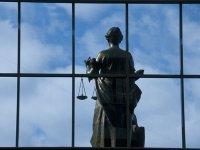 Верховный суд просит приставов учитывать материальное положение должников