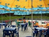 Рейды администрации в нелетнюю погоду по летним кафе продолжаются