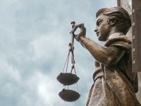 В Верховном суде разбирались, как подать иск по Интернету