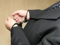"Топ-менеджеры ""Мобилбанка"" попались на ""откате"" в 70% за размораживание счета"