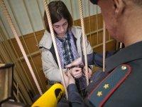 Защита Толоконниковой уличила отказавшую ей в УДО судью в контактах с тюремщиками
