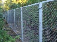 Жительница Канска через суд снесла забор соседа