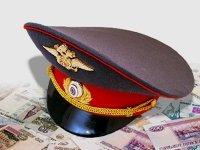 Судят полицейского, попавшегося на конвертации в валюту взятки в 1,7 млн руб.