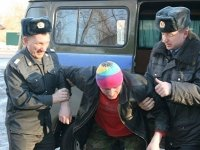 Задержанный, оторвавший погоны у полицейского, получил 2 года колонии-поселения