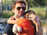 Том Круз подает в суд на журналы, обвинившие актера в том, что он бросил дочь