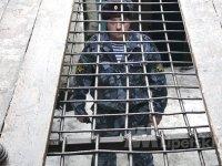 Полицейские упустили обвиняемого в убийстве лыжника, проломившего потолок в ИВС