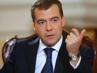 """Медведев раскритиковал инициативу Путина о возвращении правоохранителям права возбуждать """"налоговые"""" дела"""