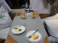 Суд запретил РЖД навязывать платное питание в вагонах повышенной комфортности