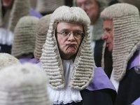 Дискриминация в судах: у нацменьшинств нет шанса на мантию