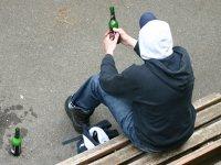 Член ОП попросит Путина запретить продажу алкоголя лицам младше 21 года