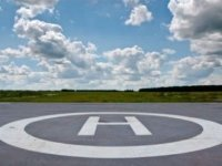 Работника аэропорта наказали за поврежденный куропаткой вертолет