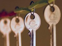 Квартира в подарок: кому принадлежит имущество, купленное на деньги родителей