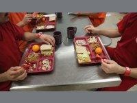 Чем кормят заключенных в разных странах