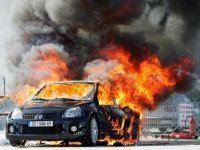 Дилер заплатит покупательнице за авто, сгоревшее из-за сбоя в сигнализации