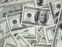 Долг в долларах взыскали в рублях: ВС рассказал, кому отвечать за колебание валютного курса