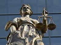 Моральный вред не должен превращаться в неосновательное обогащение, решил Верховный суд