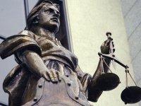 Верховный суд рассказал, кого можно удалить с заседания, и что такое неуважение к суду