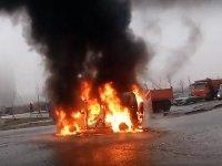В Санкт-Петербурге полицейских расстреляли в автомобиле, возбуждено дело