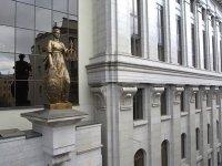 Главе ВС жалуются на выплату компенсаций неопределенному кругу правообладателей