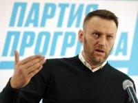 Навальный объявил об участии в президентской гонке