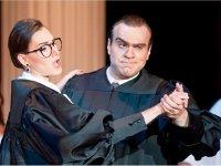 На суд публики – как верховные судьи США стали героями комической оперы