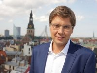 Мэр Риги не сумел оспорить в апелляции штраф за русский язык в соцсетях