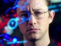 Убить спрута: для чего Кучерена и Стоун рассказали историю Сноудена