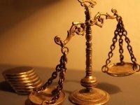 Суды обязали выплатить 600 000 руб. за три года под подпиской о невыезде