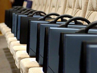 В Совете Федерации предлагают законом запретить прием на госслужбу неслужившим в армии