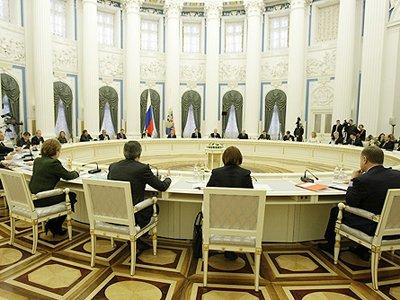 Путину предлагают освободить по амнистии к 20-летию Конституции десятки тысяч осужденных