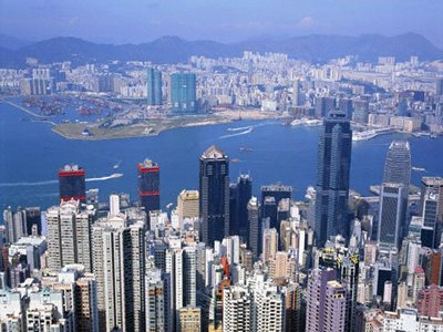 В Гонконге тоже живут в основном китайцы, которых, каалось бы, невозможно отучить брать и давать взятки. Но это удалось сделать