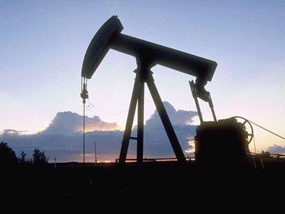 """""""Роснефть"""" просит власти на 50% снизить тарифы на прокачку нефти"""