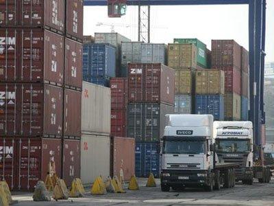 Путин продлил и расширил ограничения на транзит товаров с Украины