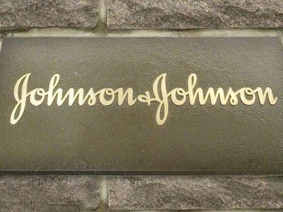 Johnson & Johnson выплатит $70 млн заболевшей раком американке