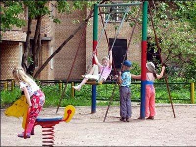 Дошколенок, которому воспитатели после падения с забора не вызвали скорую, получит 10000 руб.