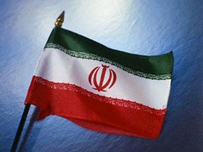 """Иранский суд закрыл газету, опубликовавшую слоган """"Je suis Charlie"""""""