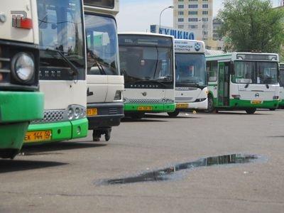 Арестовали автобус спассажирами задолги вНовосибирске