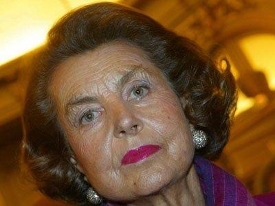 Французская полиция провела обыски в доме наследницы косметической империи L'Oreal Лилиан Бетанкур