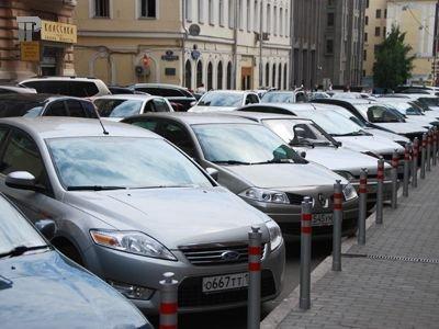 Петербургским законодателям понравился столичный размер штрафа за неправильную парковку