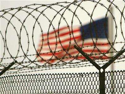 Заключенный из Гуантанамо обвинил охранников в сексуальном насилии