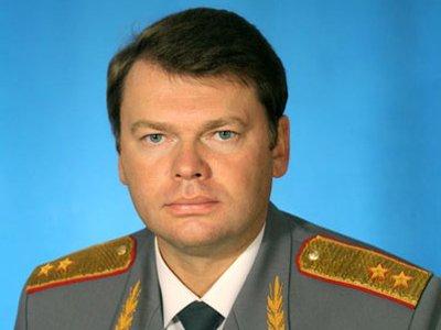 Бывшего главного милиционера Петербурга обвинили в покровительстве рейдерским атакам