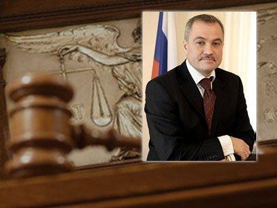 Председатель Арбитражного суда Красноярского края Дмитрий Сурков подвел итоги работы суда за первое полугодие 2010 года