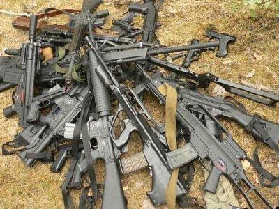 В Подмосковье задержаны убийцы крупных чиновников и правоохранителей с 27 автоматами и 22 пистолетами